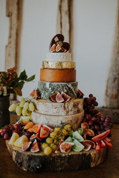 Wow, this cheese wedding cake is more than just beautiful!