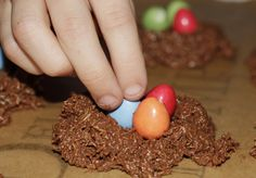 An easy Easter Chocolate Nests recipe that's great for kids to help with. The shredded wheat gives a fantastic nest look. Adorable and of course delicious! Chocolate Easter Nests, Mini Eggs, Crafts For Kids, Breakfast, Desserts, Recipes, Pop, Morning Coffee, Popular