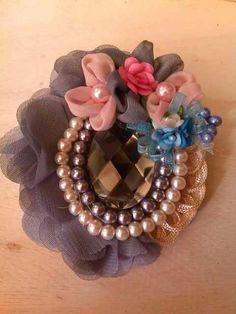 Brooches Handmade, Flower Brooch, Sally, Bag, Jeans, Ribbon Hair Ties, Totes, Flowers, Bags