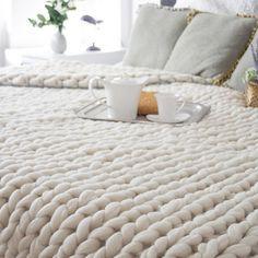 Rank & Style's Talking Top Tens - Kristina Thayer's Ten Essentials: Giant chunky knit blanket #rankandstyle