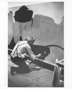 Robert Motherwell at work in his studio- The Dedalus Foundation
