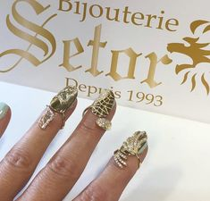 GOLD NAIL GN002 Gold Nails, Hand Henna, Hand Tattoos, Angel, Bracelets, Jewelry, Jewels, Angels, Schmuck