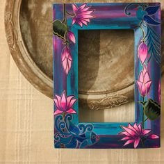 Lotus Painting, Mirror Painting, Fabric Painting, Painting Frames, Pichwai Paintings, Indian Art Paintings, Art N Craft, Frame Crafts, Mural Art