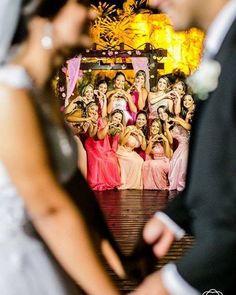Ser madrinha é tão único! É um momento delicioso e que merece ser eternizado em belas imagens como essa do nosso parceiro @peterrainefotografia.  Ele faz um trabalho lindíssimo gente! . Veja mais no Instagram  @peterrainefotografia . Contato  instagram @peterrainefotografia ou no WhatsApp (21) 98795-8888 . Esse fotógrafo é do Rio de Janeiro! . #peterraine #peterrainefotografia #fotografopeterraine #melhoresfotosdecasamento #fotografo #fotografobrasil #fotograforiodejaneiro…
