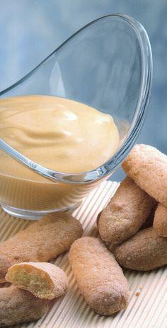 http://sorrentinoluigi.blogspot.com/2014/06/crema-zabaione-con-biscotti-savoiardi.html Festeggiamo l'entrata dell'estate con questa soffice delizia, buona giornata #miele-di-acacia #marsala   #zabaione