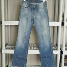 7FAMKBOOTCUT DENIM PRE-OWNED, VERY GENTLY USED! IF YOU HAVE ANY ADDITIONAL QUESTIONS, PLEASE ASK BEFORE YOU PURCHASE! THANK YOU ☺ Seven7 Jeans Boot Cut