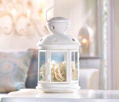 décoration de table mariage en lanterne blanche et fleurs