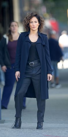 Your New Weekend Street Style Muse Is Detective McCord, aka Jennifer Lopez