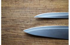 Whether you're looking for kitchen knives or a pocket knife, knives come in all sorts of different shapes and sizes. Knife edge grinds say a lot about what the Japanese Steak, Japanese Chef, Japanese Sushi, Camping With Teens, Japanese Kitchen Knives, Best Steak, Steak Knives, Best Chef, Menu Design