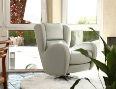 Welcome to Mia Stanza furniture in Nantwich, Cheshire. Suppliers of the Fama Romeo chair. The Romeo is available in both leather or fabric. Stylish Chairs, Modern Chairs, Diy Home Decor On A Budget, Interior Decorating, Interior Design, Eclectic Decor, Room Paint, Design Your Own, Accent Chairs