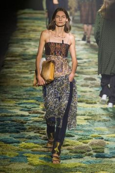 Défilé Dries Van Noten Pret a Porter Printemps Ete 2015 Paris