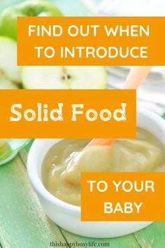 When is your baby ready for finger foods? Can they be starting solids? Make sure they're showing these signs before you start. When To Introduce Solids, When To Start Solids, Starting Solids Baby, Solids For Baby, Healthy Baby Food, Healthy Toddler Meals, Parenting Toddlers, Parenting Tips, Feeding Baby Solids