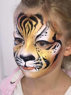 Fair of Face tigre face paint. Tijger schmink