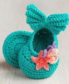 The Best Crochet Shoes For Kids - Diy Crafts - Marecipe Crochet Baby Sandals, Crochet Baby Boots, Booties Crochet, Crochet Girls, Crochet Baby Clothes, Newborn Crochet, Love Crochet, Crochet For Kids, Diy Crochet
