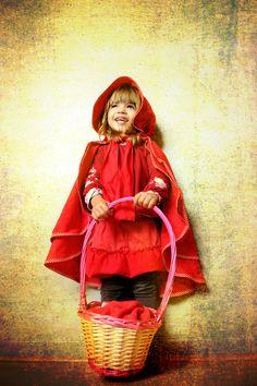 Mon-petit-chaperon-rouge: elle est à croquer^^!