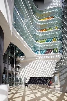 SAHMRI, the South Australian Health and Medical Research Institute designed by Woods Bagot.. Photographer Peter Clark