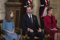King Felipe VI of Spain Photos - (L-R) Princess Leonor of Spain, King Felipe VI of Spain and Queen Letizia of Spain attend the Order of Golden Fleece (Toison de Oro), ceremony at the Royal Palace on January 30, 2018 in Madrid, Spain. Today is King's Felipe 50th birthday. - King Felipe of Spain Delivers Collar of The Distinguished 'Toison de Oro' To Princess Leonor