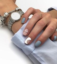 You can never imagine the enjoyment of doing manicures until you try it! For nail art lovers, the joy you can get as you watch your nails gradually get the magical look is uncomparable. Stylish Nails, Trendy Nails, Cute Nails, Nail Deco, Hair And Nails, My Nails, Nail Manicure, Nail Polish, Nagel Tattoo