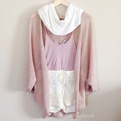 i have a thing for lace and cardigans <3 <3