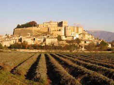 Durch Briefe berühmt: Château de Grignan | BLEU, BLANC, ROUGE