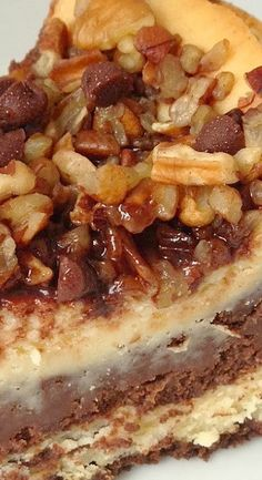 Recipe of the Week: Nestle's Turtle Cheesecake - Home Made Modern Turtle Cheesecake Recipes, Cheesecake Desserts, Just Desserts, Delicious Desserts, Dessert Recipes, Yummy Food, Appetizer Recipes, Turtle Dessert, Eat Dessert First