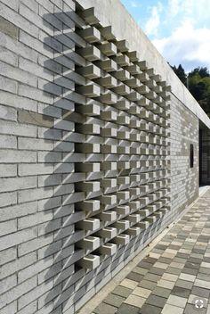 Image 14 of 40 from gallery of Raíces Educational Park / Taller Piloto Arquitectos. Photograph by Juan Manuel Bernal Arias Decorative Concrete Blocks, Concrete Block Walls, Concrete Bricks, Design Exterior, Brick Design, Facade Design, House Design, Brick Masonry, Brick Facade