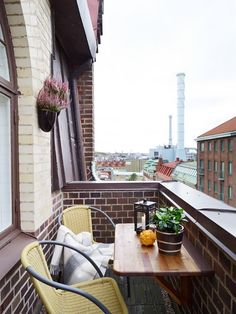 Balkon Best Small Balcony Design Inspirations for Decorating Outdoor Seating Areas – Balkon ideen Modern Balcony, Small Balcony Design, Small Balcony Garden, Terrace Design, Small House Design, Balcony Ideas, Small Balconies, Modern Pergola, Patio Ideas