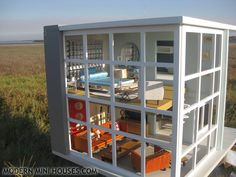 contemporary doll house | Modern Mini Houses