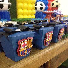 Hoje o time do Barcelona entra em campo aqui no @joaoemaria_espaco_infantil !!! ⚽️ #festaescolar #festainfantil #barcelona #festadefutebol