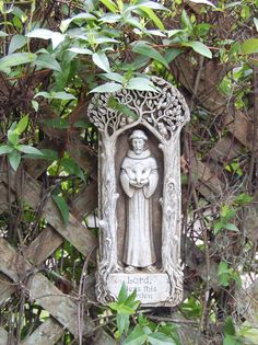 PLACA DE SAN FRANCISCO PARA JARDIN AL AIRE LIBRE , gran  regalo para  para un jardín  de familia catolica ---- Outdoor St. Francis Garden plaque, great Catholic garden gift for a vertical wall garden, $34.95. Find others here: http://www.catholiccompany.com/plaques-and-murals-c2795/ #CatholicCompany