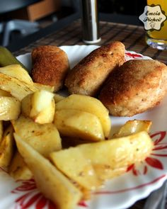 Emcia Pichci!: Kotlety pożarskie Polish Recipes, Potatoes, Vegetables, Ethnic Recipes, Food, Polish Food Recipes, Vegetable Recipes, Eten, Veggie Food