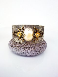 Victorian Gothic cuff bracelet ornate by ApplebiteJewelry on Etsy, Gothic Pattern, Gothic Jewelry, Silver Cuff, Vintage Fashion, Vintage Style, Etsy Vintage, Antique Silver, Cuff Bracelets, Jewelry Design