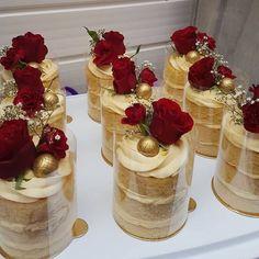 Mini Wedding Cakes, Mini Cakes, Cupcake Cakes, Gorgeous Cakes, Pretty Cakes, Amazing Cakes, Professional Cake Recipe, Bake Sale Packaging, Individual Desserts