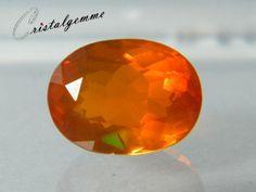 Opale de Feu forme ovale de 2.25 carats