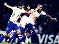 #FechadoComOCruzeiro! Dede celebrating goal against Cerro Porteño • April 30, 2014, Mineirão, Belo Horizonte. Cerro 0-2 Cruzeiro, Copa Libertadores.
