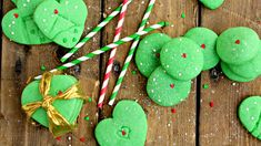 This post brought to you by Dollar General. All opinions are mine. The grinch is an inspiring story. My four year old is obsessed with the cartoon and can almostContinue Reading. St Patrick's Day Cookies, Grinch Cookies, Fun Cookies, Christmas Cookies, Christmas Appetizers, Pistachio Pudding Cookies, Mint Chocolate Chip Cookies, Sugar Cookies From Scratch, Easy Sugar Cookies