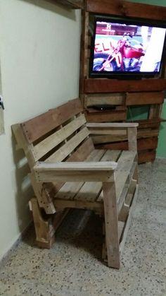 Pallet love seat