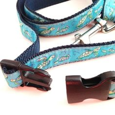 Clip Leash Upgrade for a quick and easy leash tie up, so convenient for Post Office or market runs.  Also shortens from 5ft leash to 3ft leash.  Customize your leash with a large choice of patterns.