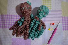 Los mundos de Esthercita: Pulpitos solidarios Crochet Necklace, Jewelry, Octopuses, Denmark, Amigurumi, Jewlery, Crochet Collar, Bijoux, Schmuck
