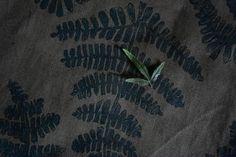 Кухонные салфетки. Крашеный хлопок ручной работы с оттисками папоротника.Kitchen towels. Dyed cotton handmade with imprints of fern.