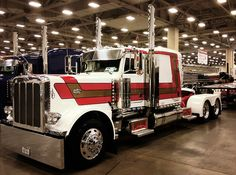 Retro Paint Theme on this Peterbilt