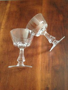 Disciplined Unique Champagne Flutes Great Design Vertical Cut Diamond Knob On Stem 6 Oz Pottery & Glass