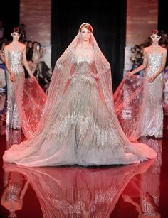 18 haute couture wedding dresses by elie saab vogue paris Elie Saab Couture, Couture Mode, Couture Fashion, Runway Fashion, Couture Girl, Couture Bridal, Net Fashion, Fashion Trends, Vestidos Elie Saab
