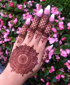 Hi everyone , welcome to worlds best mehndi and fashion channel Zainy Art . Hope You guys are liking my daily update of Mehndi Designs for Hands & Legs Nail . Round Mehndi Design, Mehndi Designs Finger, Mehndi Designs Feet, Back Hand Mehndi Designs, Mehndi Designs For Girls, Simple Arabic Mehndi Designs, Mehndi Designs For Beginners, Mehndi Designs 2018, Mehndi Designs For Fingers
