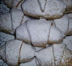 Κρουασάν vegan με τέλεια ζύμη!! Sweet Recipes, Vegan Recipes, Bread, Cookies, Cake, Lent, Food, Greek Recipes, Crack Crackers