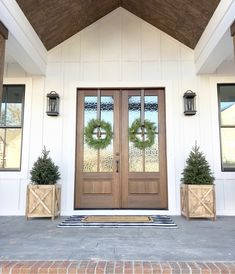 35 Modern Farmhouse Exterior Ideas - When they were first introduced to the public back in the late the first models of fiberglass exterior doors, which are somewhat similar to tha. Dream House Exterior, Dream House Plans, Exterior House Colors, Exterior Design, Exterior Doors, Porte Cochere, Stained Front Door, Hd House, Board And Batten Exterior