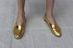 Martiniano glove shoe in gold at MNZ