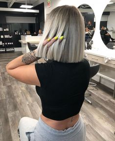 Over 30 beautiful haircuts for short hair - Hairstyle & Hairinspiration -. - Over 30 beautiful haircuts for short hair – hairstyle & hair inspiration – - Medium Hair Styles, Short Hair Styles, Purple Shampoo For Blondes, Short Blonde, Hair Cut Blonde, Ash Blonde Balayage Short, Grunge Hair, Cool Hair Color, Hair Colour