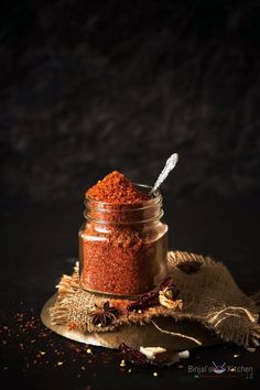 Dabeli Masala also called Kutchi Masala. Dabeli Masala is the main ingredient of the making Dabeli, so I'm sharing with authentic original Dabeli Masala. Masala Powder Recipe, Masala Recipe, Masala Spice, Garam Masala, Garlic Chutney, Dry Coconut, Spices And Herbs, Those Recipe, Spice Mixes