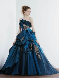 Jemma ball cornoration dress underneath other gown. Ball Dresses, Ball Gowns, Prom Dresses, Pretty Outfits, Pretty Dresses, Fairytale Dress, Fantasy Dress, Quinceanera Dresses, Mode Inspiration
